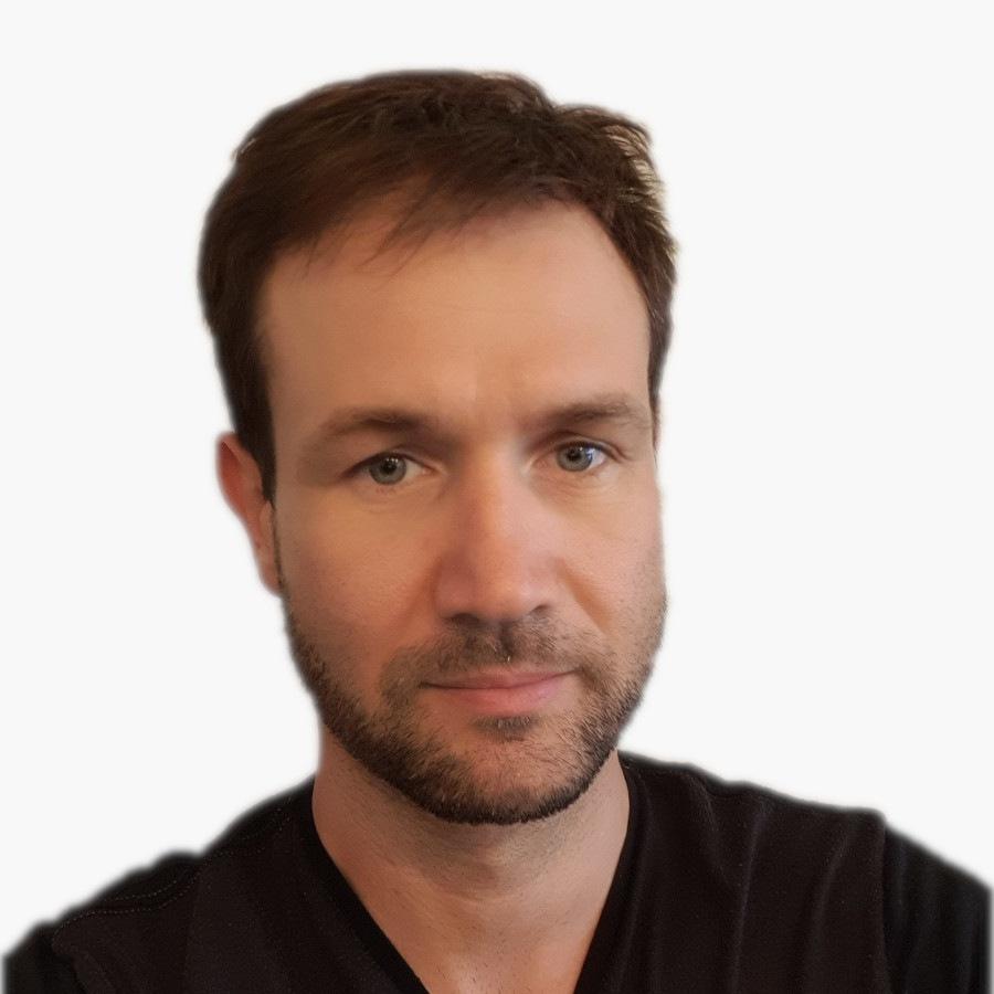 Jean-Patrice Le Chelveder gérant de la Miroiterie Garrido est l'artisan métreur qui viendra certainement prendre les mesures dans votre logement